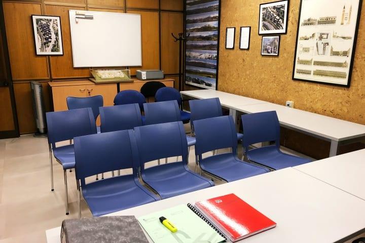 Global Habitat sala de reunions a les oficines de Sant Julià de Lòria